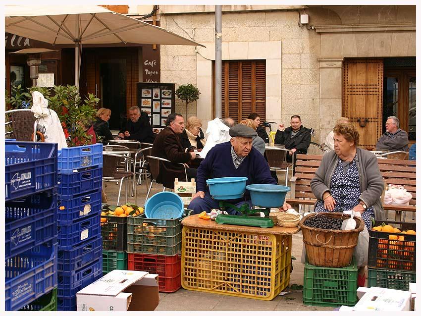 Marktszene in Pollenca