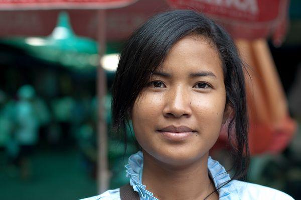 Marktverkäuferin in Phnom Penh