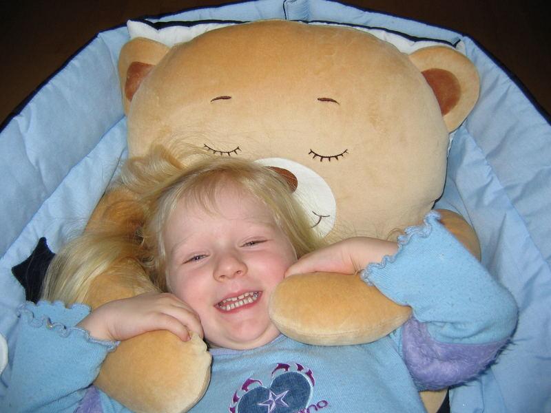 Marlene im Griff des Bären