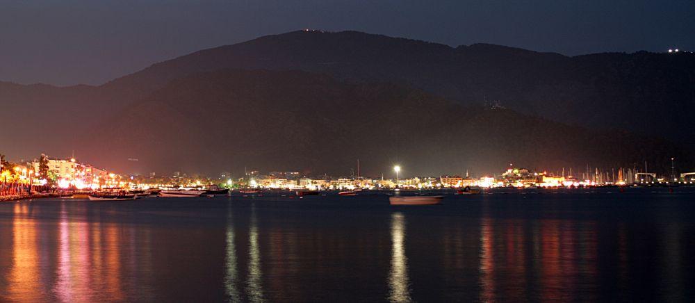 Marmaris bei Nacht