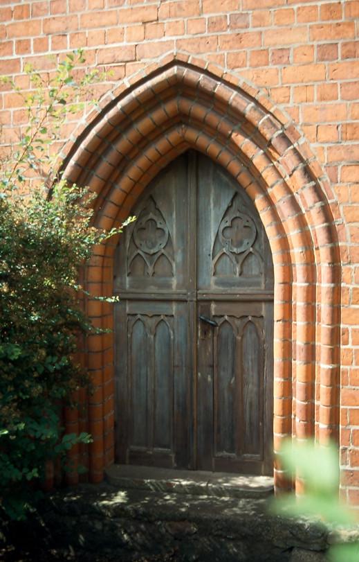 Marode Kirchentür