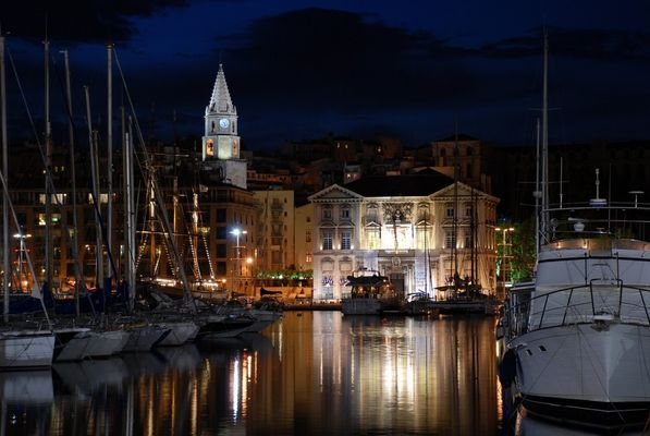 Marseille - le vieux port by night