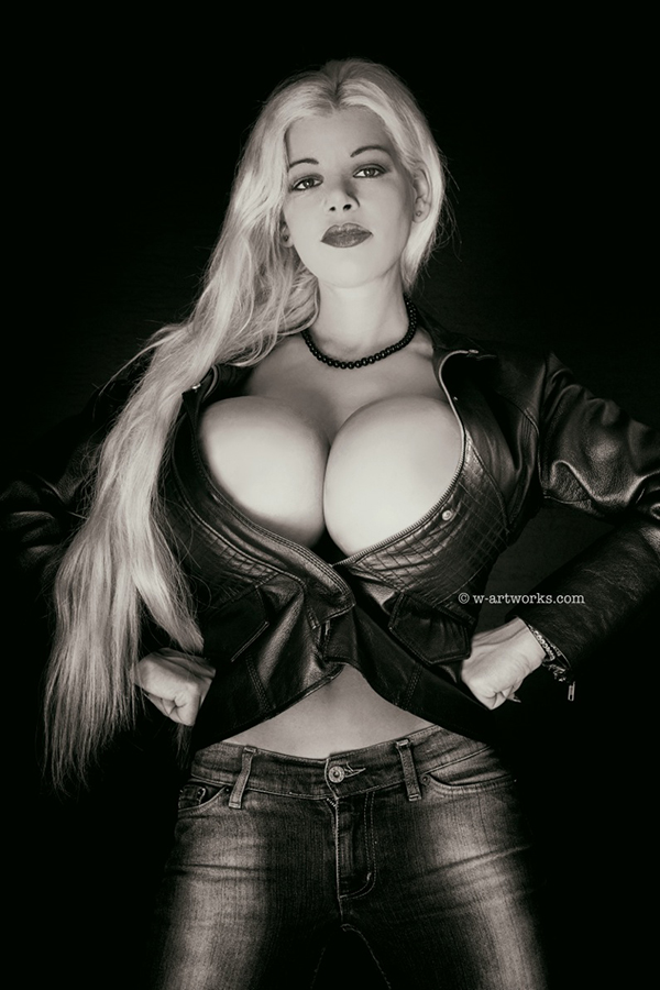 Martina Big - Big is not Big enough :-)