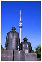 Marx, Engels und der Turm