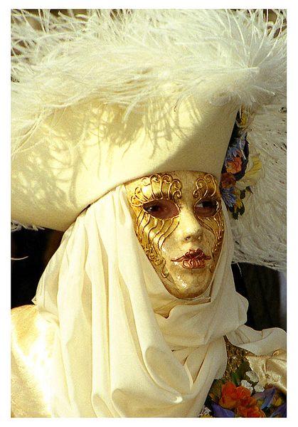 masca d'oro