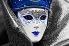 Maske blau-weiß