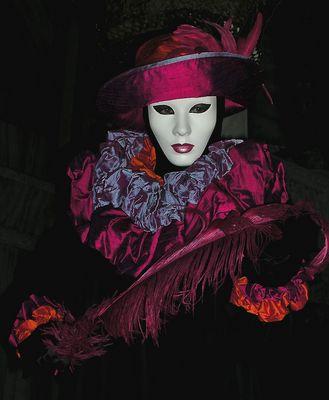Maske in der Nacht