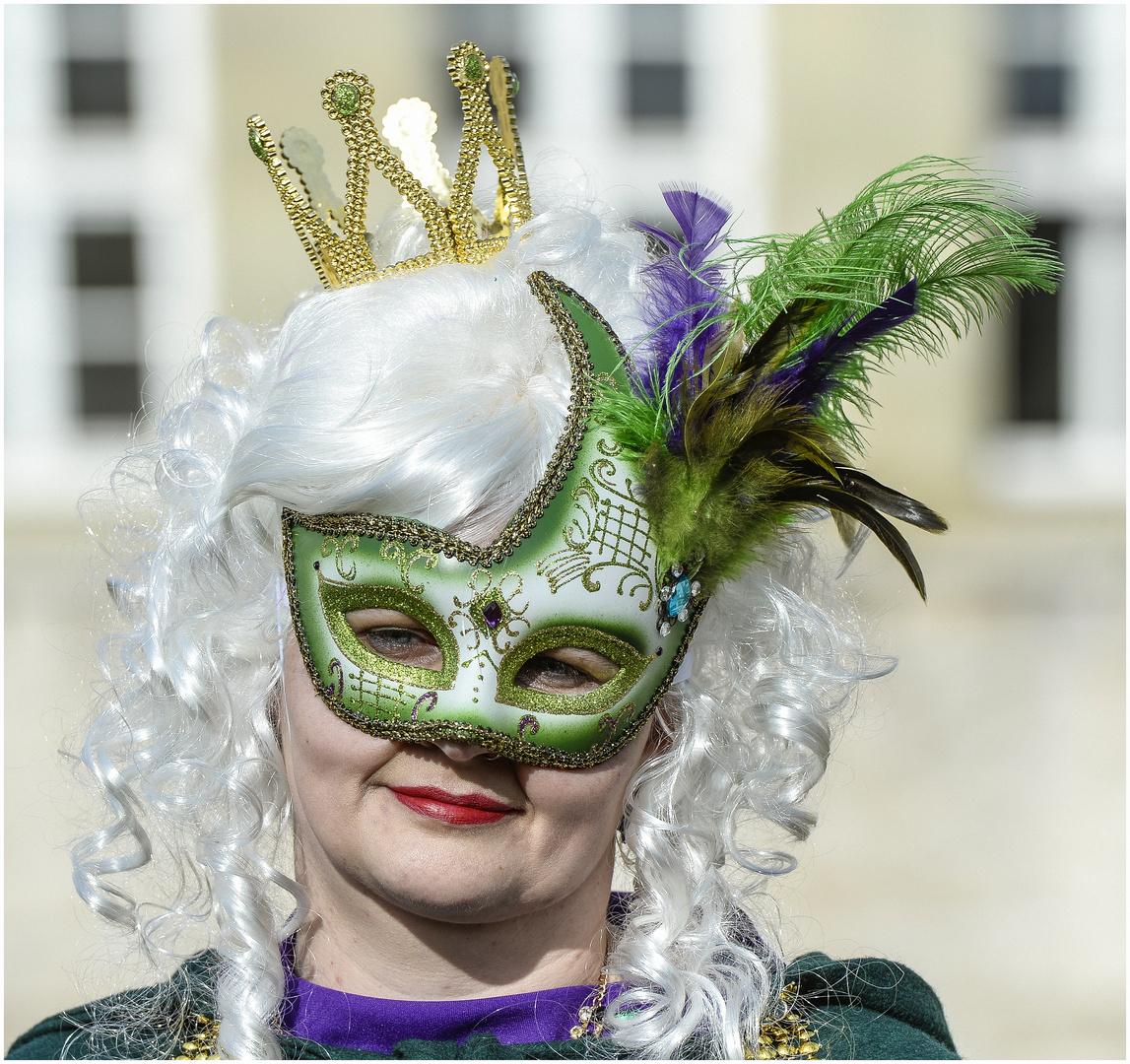 Maske in Grün !