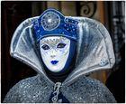 Maske in Silber und Blau !