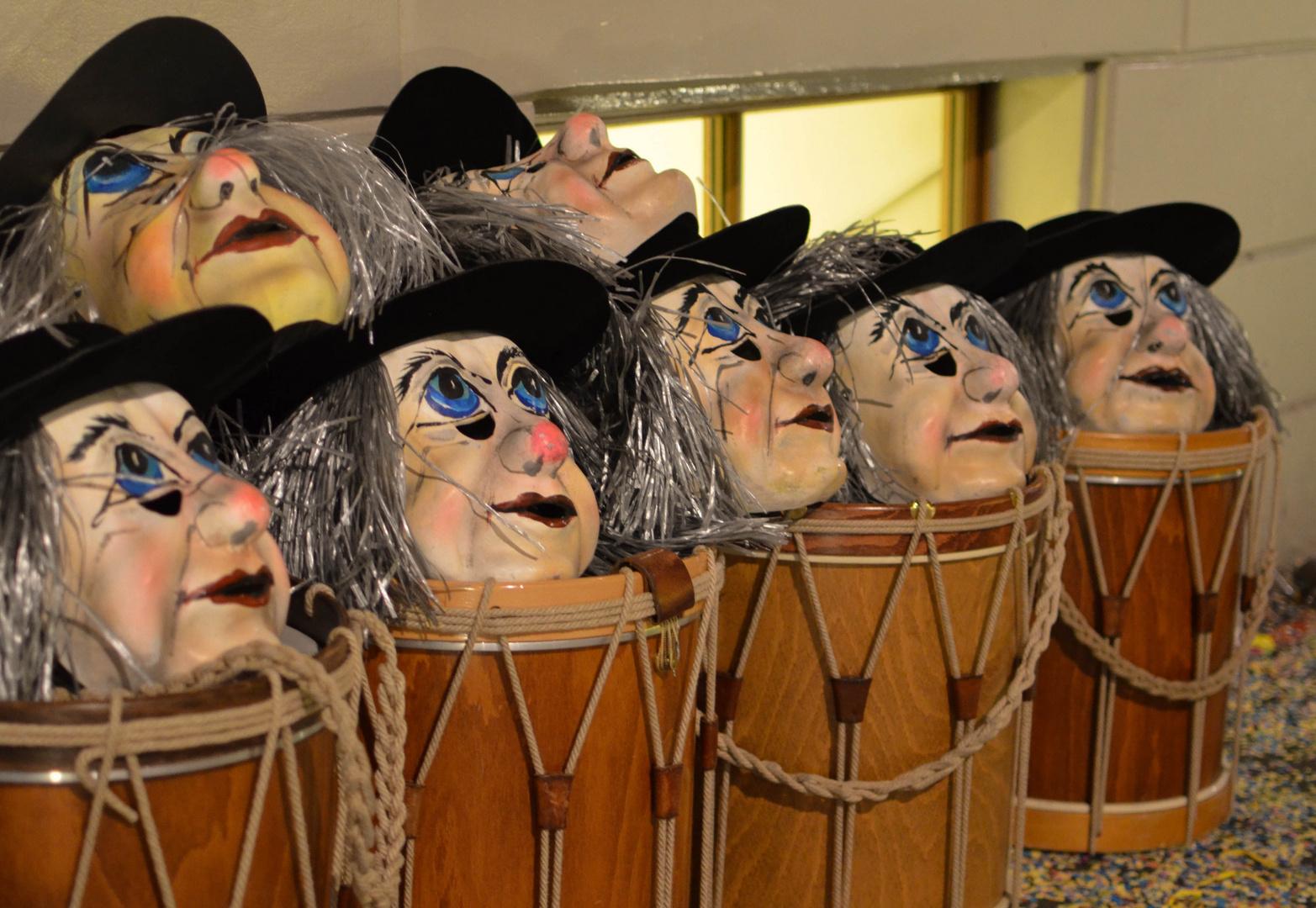 Masken und Trommeln ruhen...