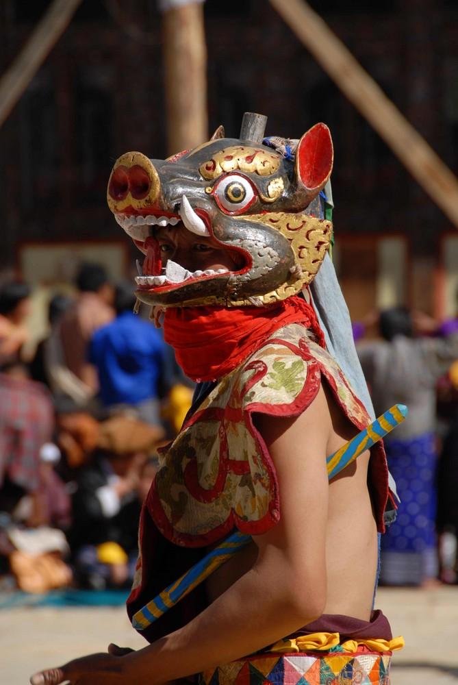 Maskentanz beim Black necked crane festival