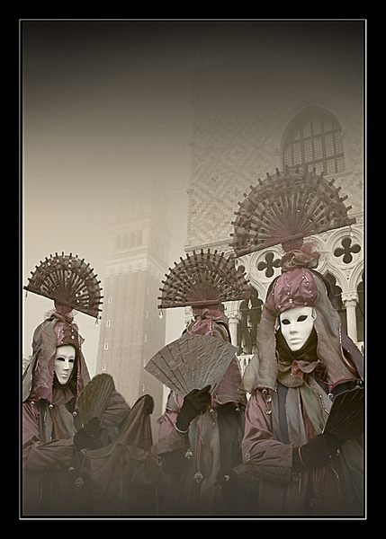Maskenumzug in Venedig