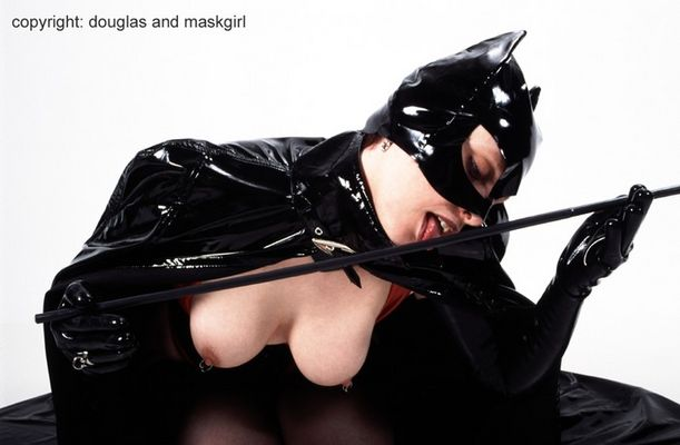 Maskgirl-1