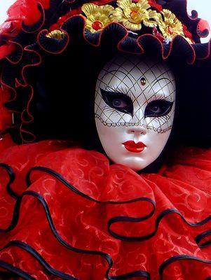 masque aux Fetes de Loire à Orléans