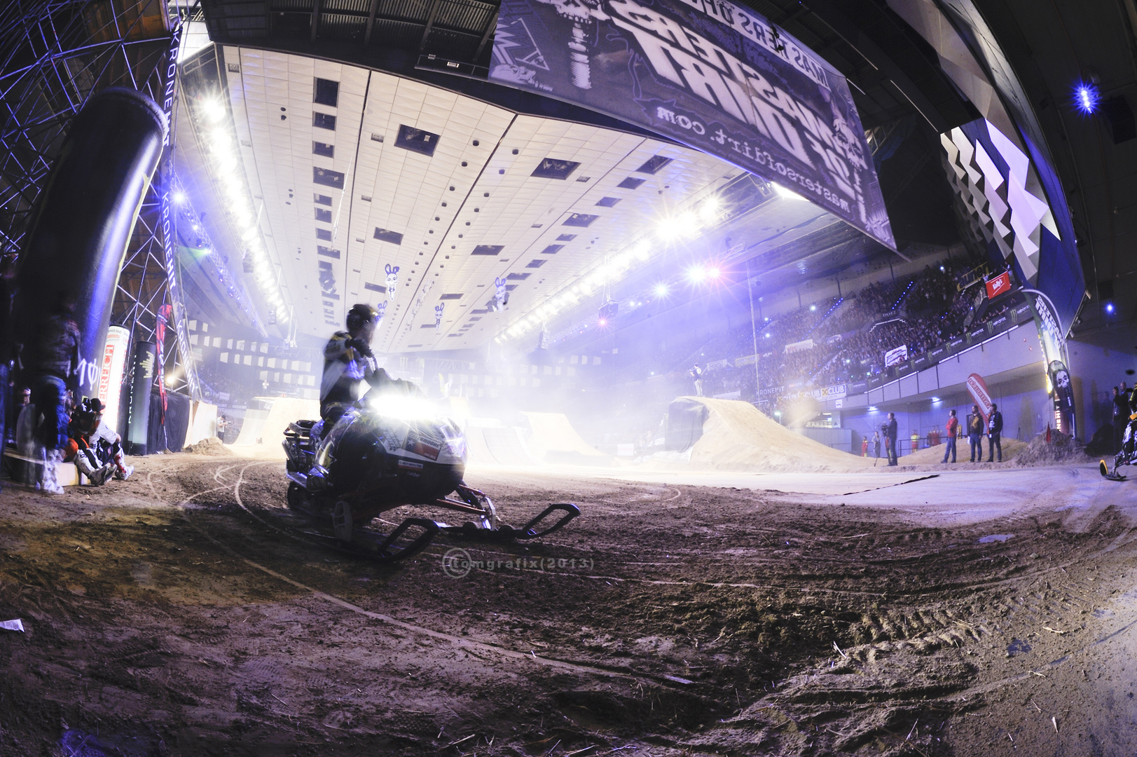 Masters of dirt Arena with Snowmobile