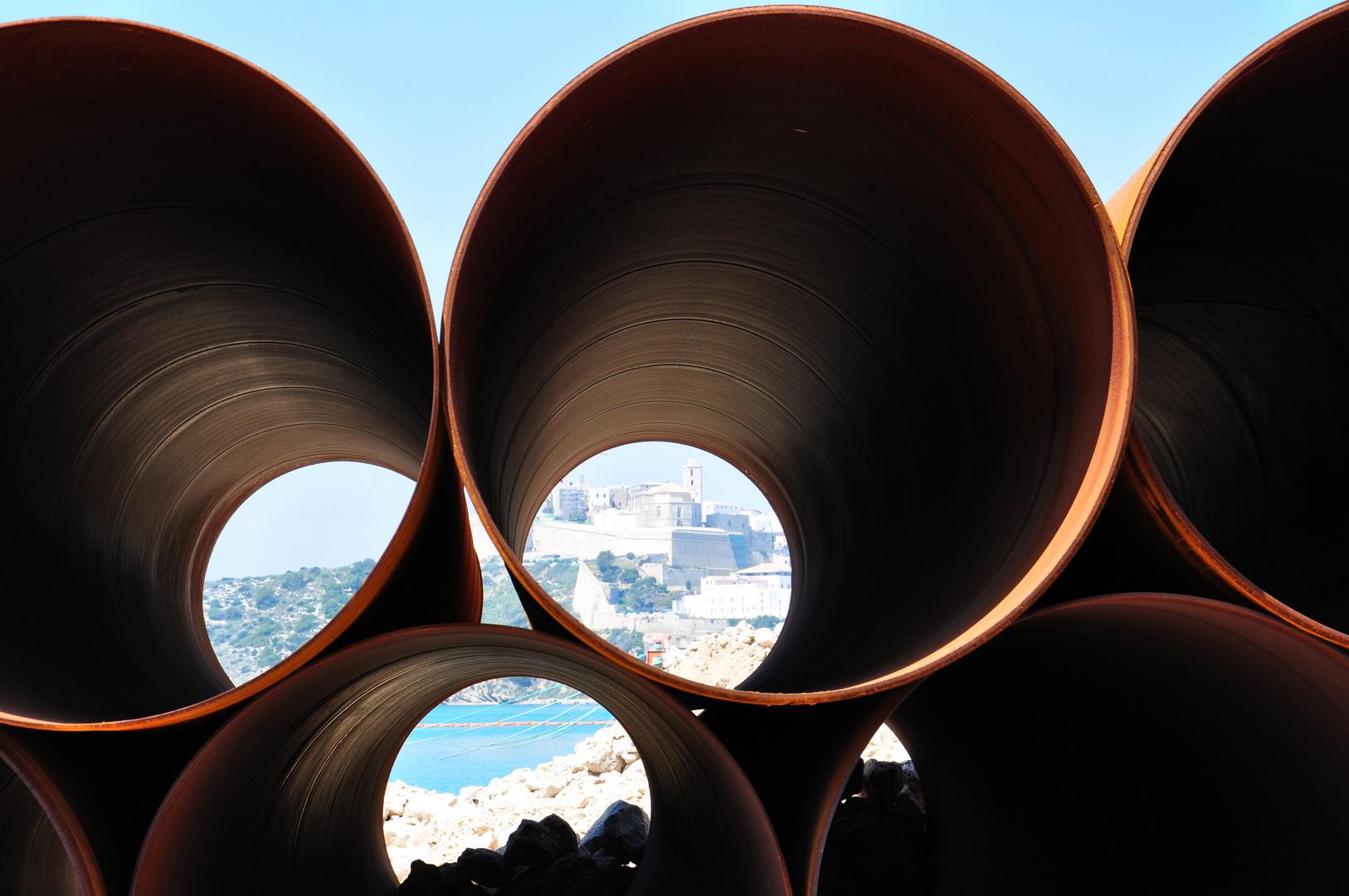 Material für die Hafenerweiterung Ibiza - gute Aussichten für die Altstadt ?