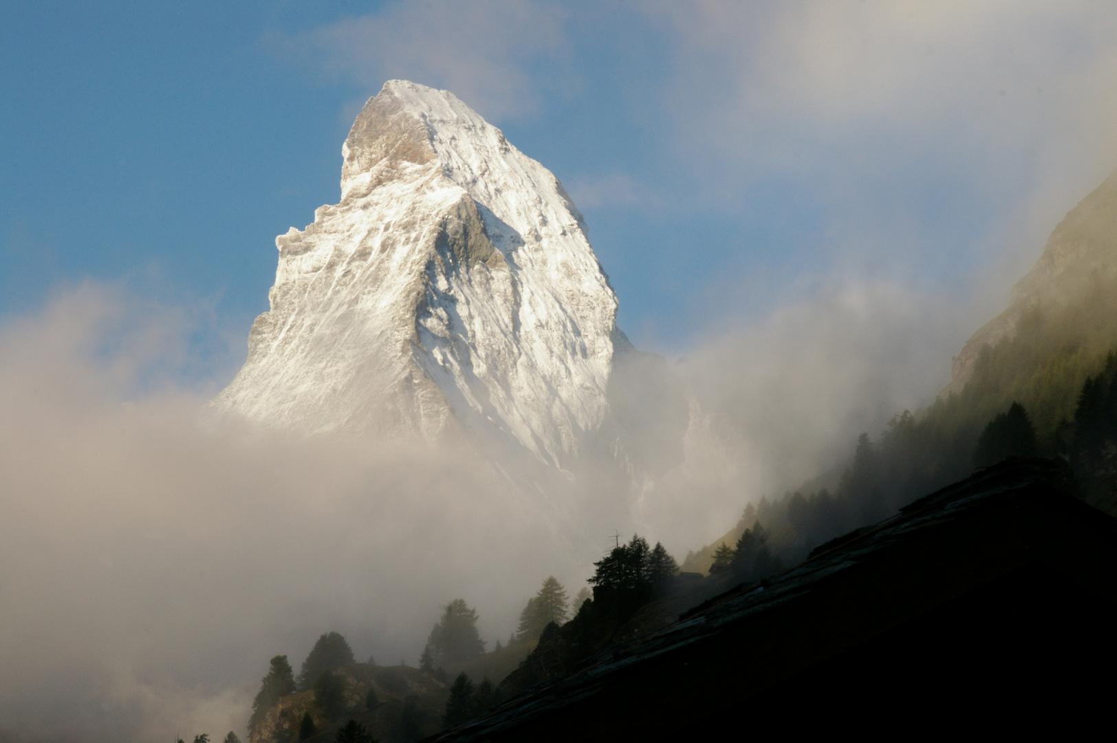 Matterhorn im Morgennebel