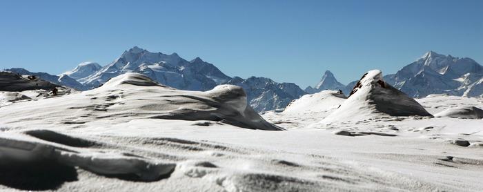 Matterhorn mit Weisshorn und Mischabelgruppe