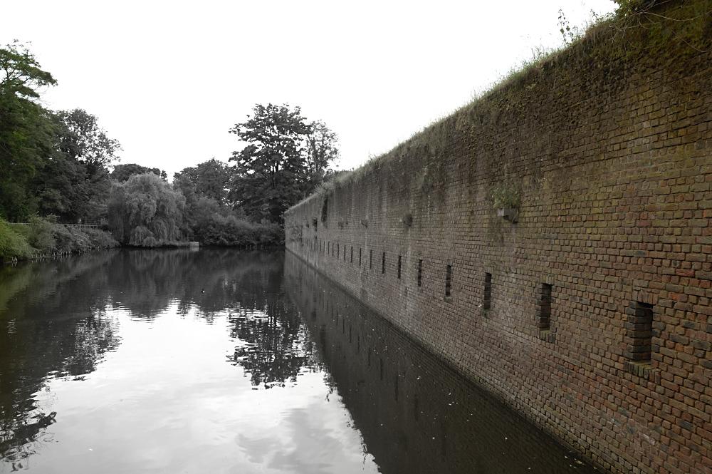 Mauer in die Vergangenheit