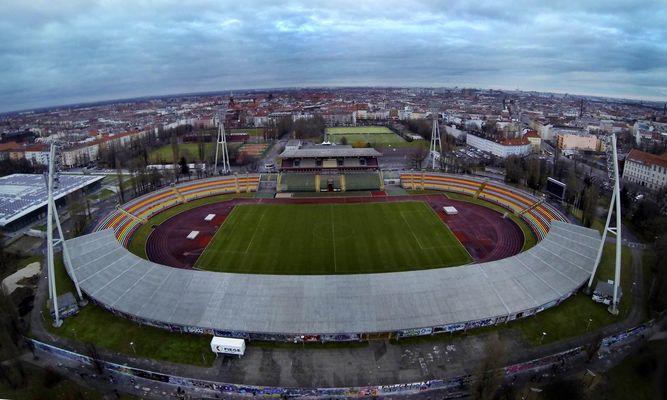 mauerpar berlin Stadion
