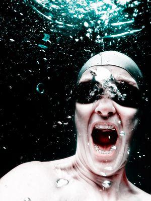 maul aufreißen unter wasser bleibt unerhört oder zahnärzte aller länder, kommt schwimmen!