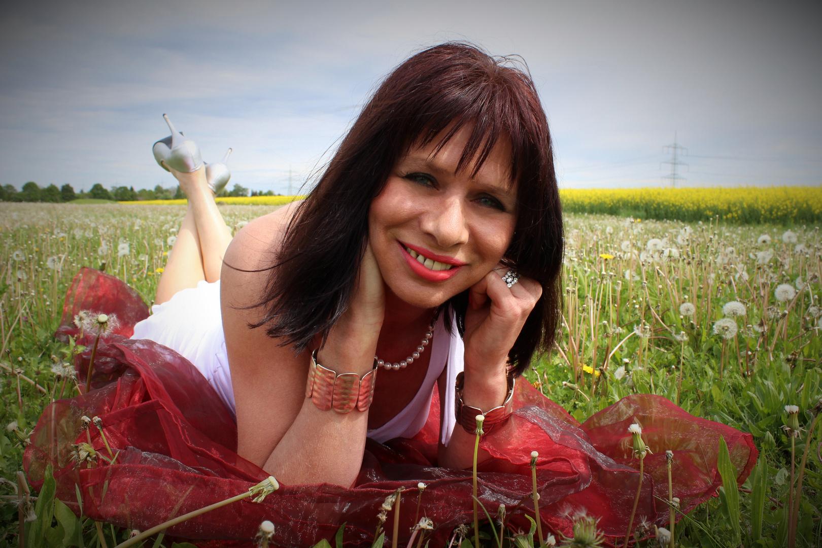 Maureen white IV