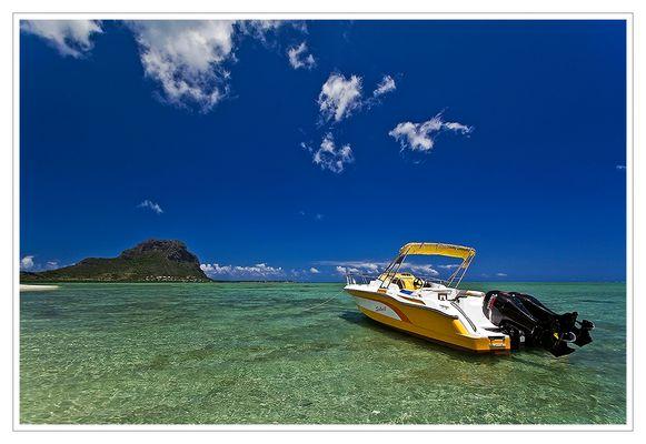 Mauritius I - The Speedboat