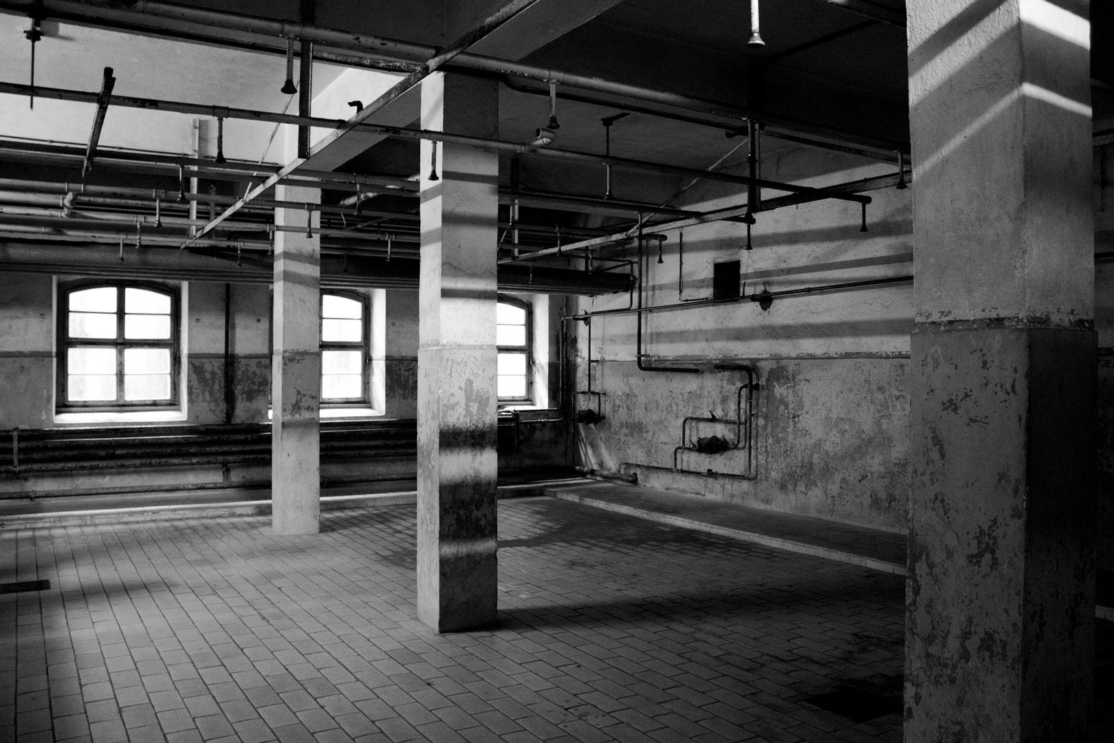 Mauthausen Memorial (#2) - Duschraum