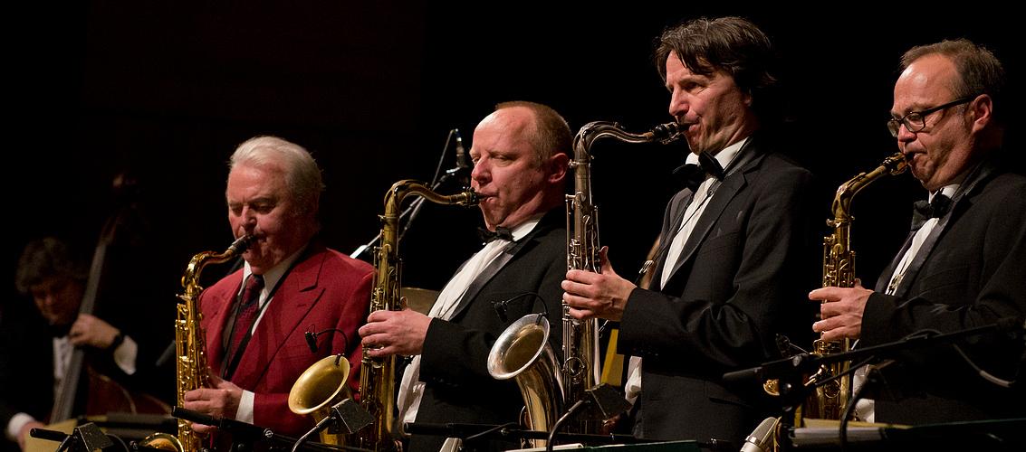 Max Greger mit Solisten der SWR Big Band
