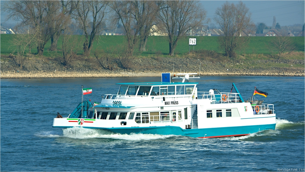 MAX PRÜSS / Laborschiff