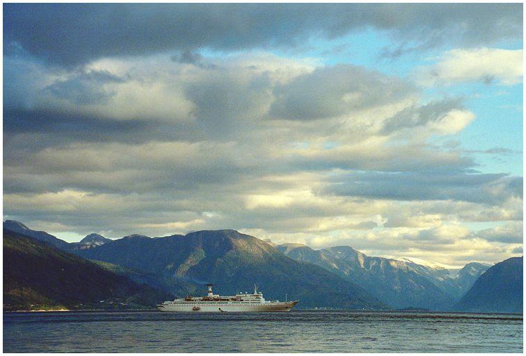 Maxim Gorkiy im Geiranger-Fjord