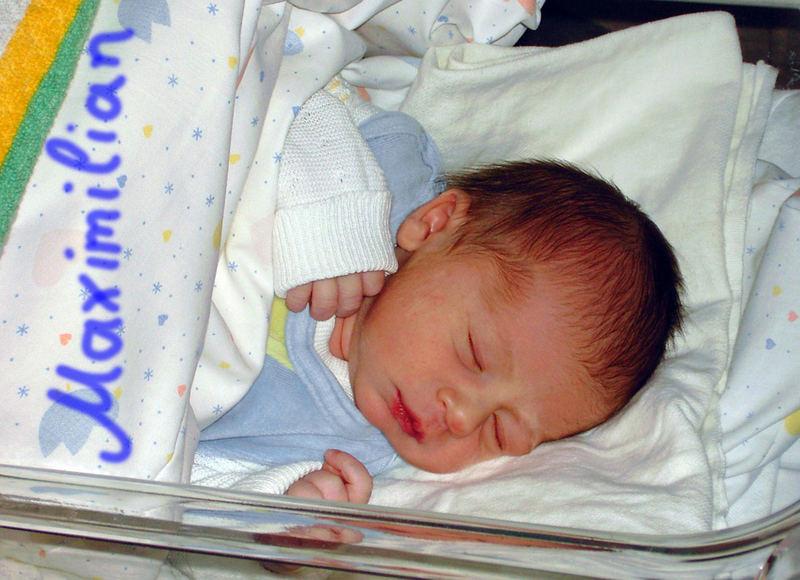 Maximilian ist online und grüsst die Welt ! ;-)