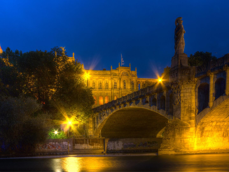 Maximilianbrücke - Maximilianeum - Nachts