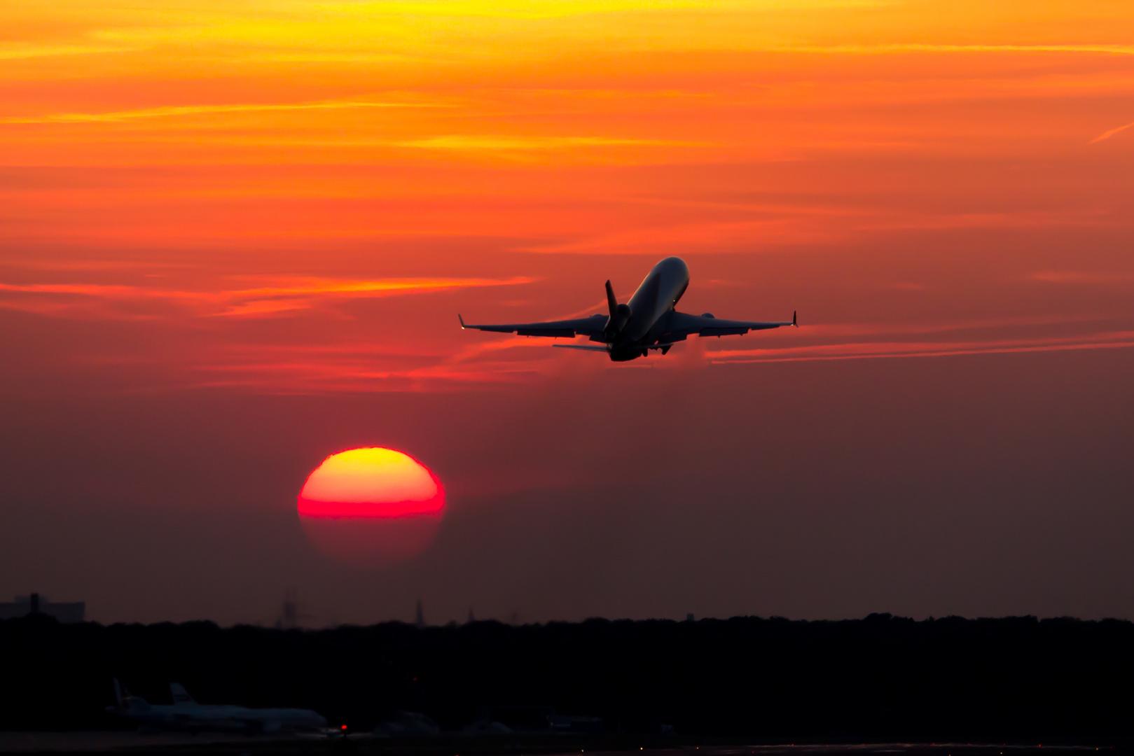 MD-11 SunSet