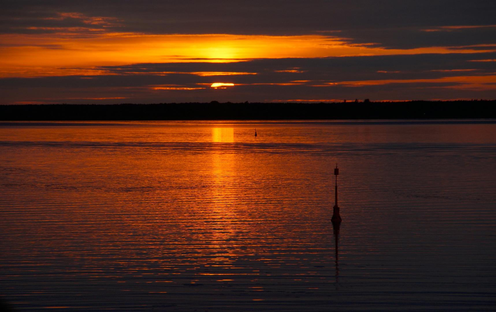 MecPom: Sonnenuntergang über dem Barther Bodden ...