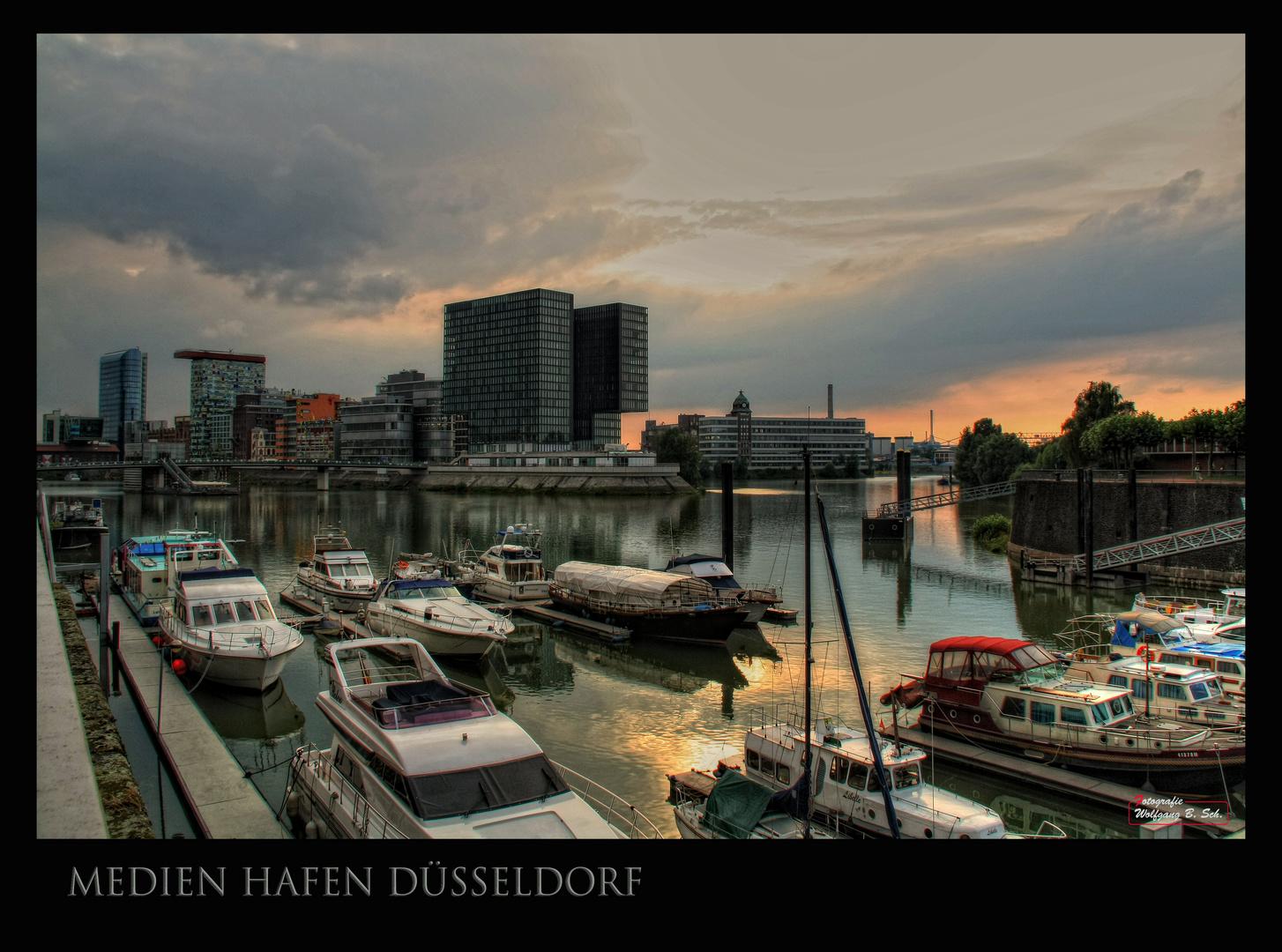 Medien-Hafen Düsseldorf - I