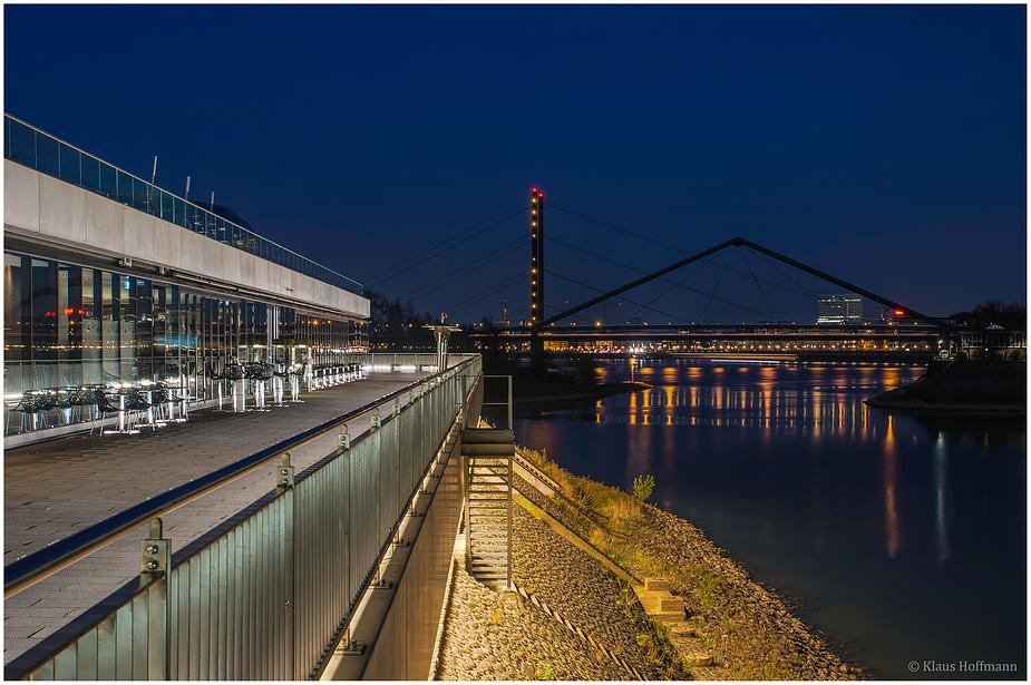 Medienhafen am Abend -04