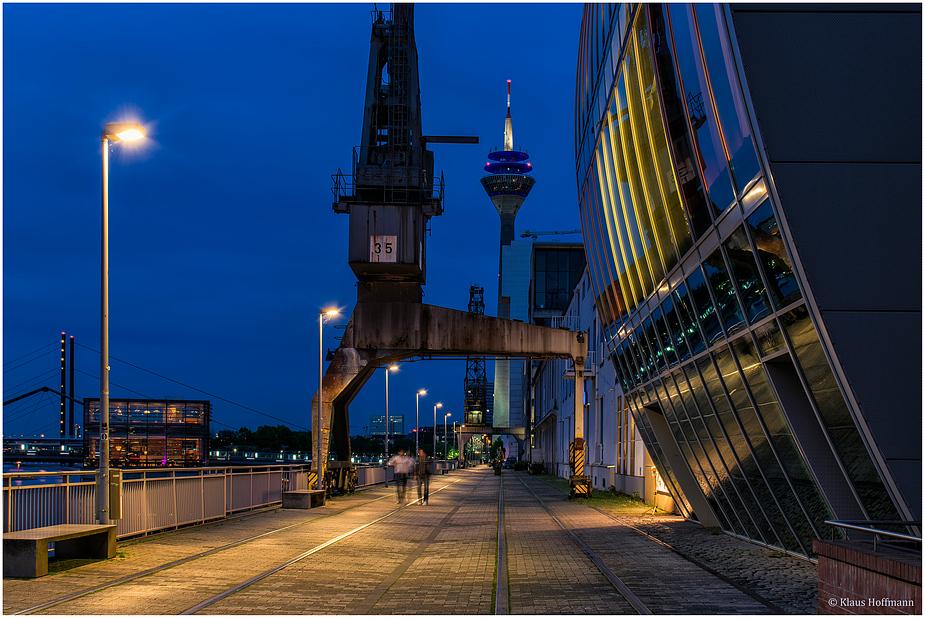 Medienhafen am Abend -06