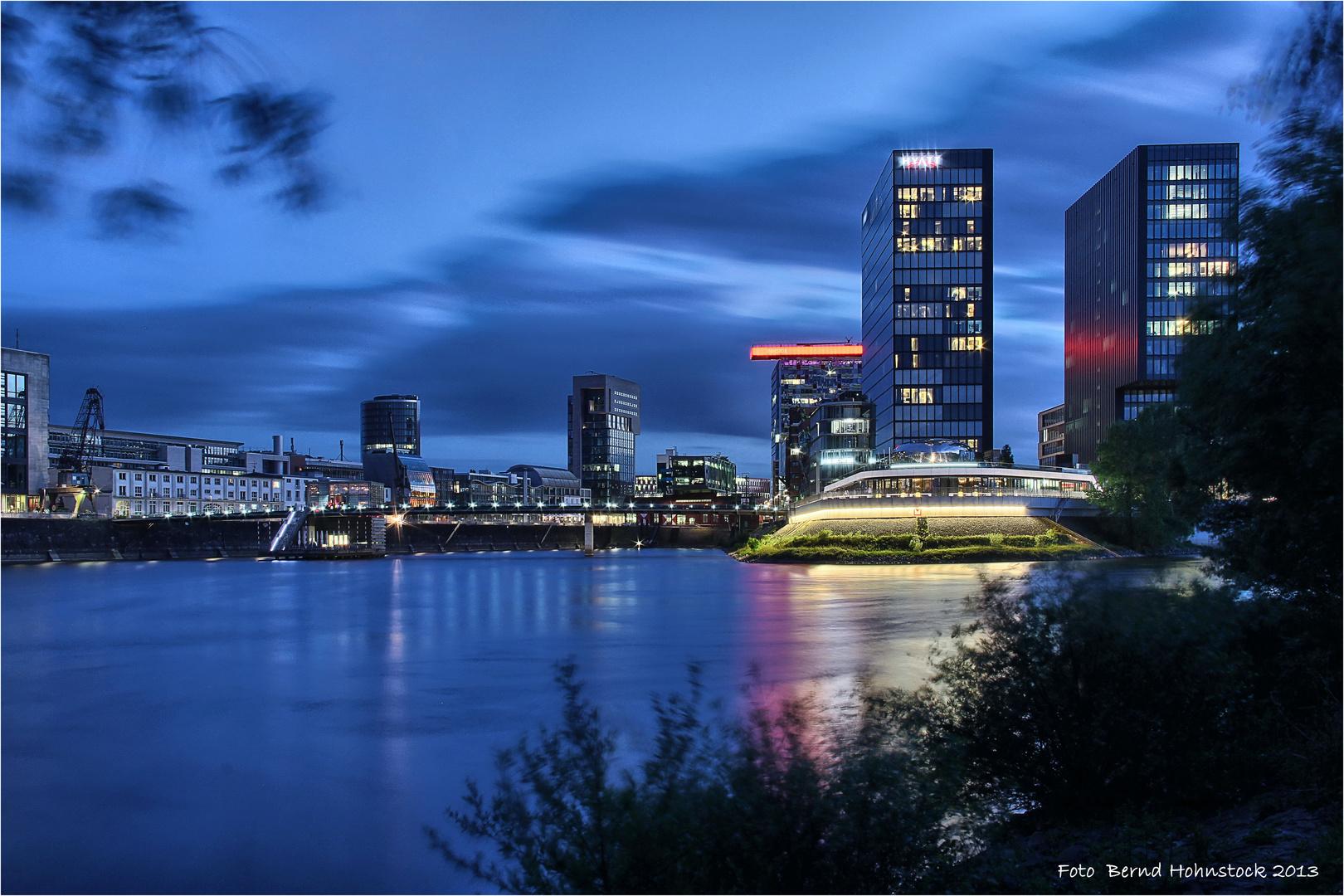 Medienhafen der Landeshauptstadt von NRW ....