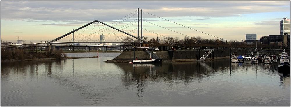 ... Medienhafen Düsseldorf ...