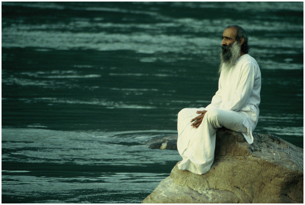 Meditation am Ganges, Rishikesh, Nordindien