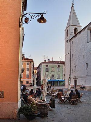 mediterraner Marktplatz