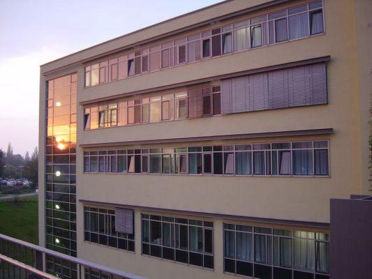 Medizinische Klinik Heidelberg bei Sonnenuntergang