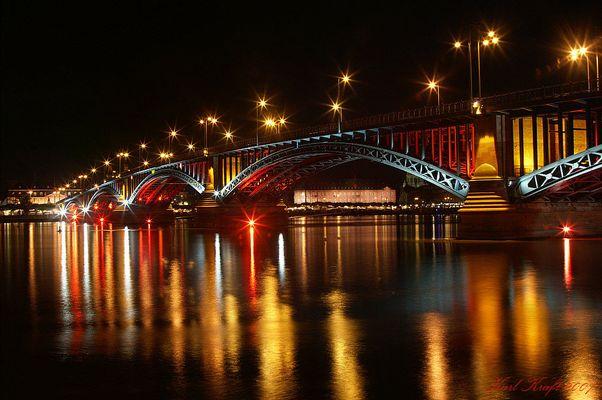 Meenzer Rhoibrigg (Mainzer Rheinbrücke)