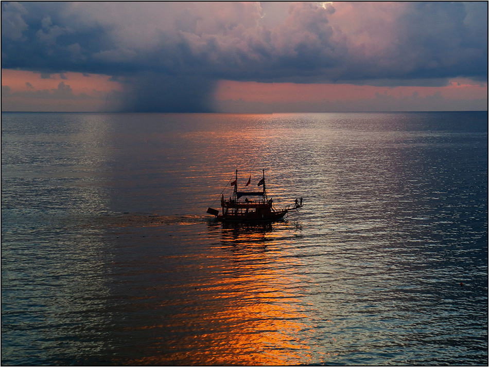 Meer - Boot - Sonne - Regen