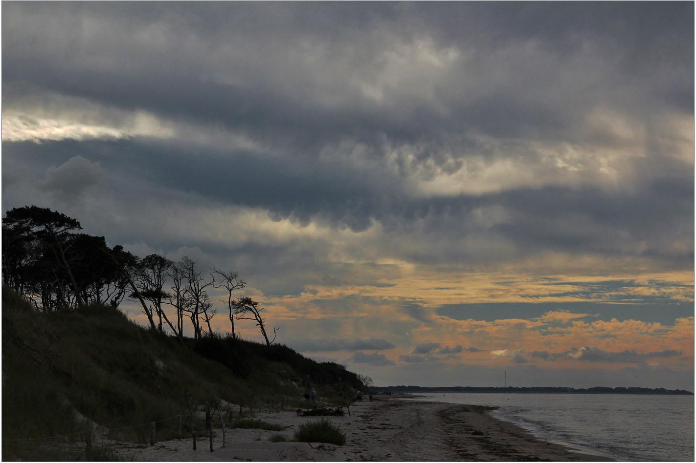 Meer, Strand und Wolken ...