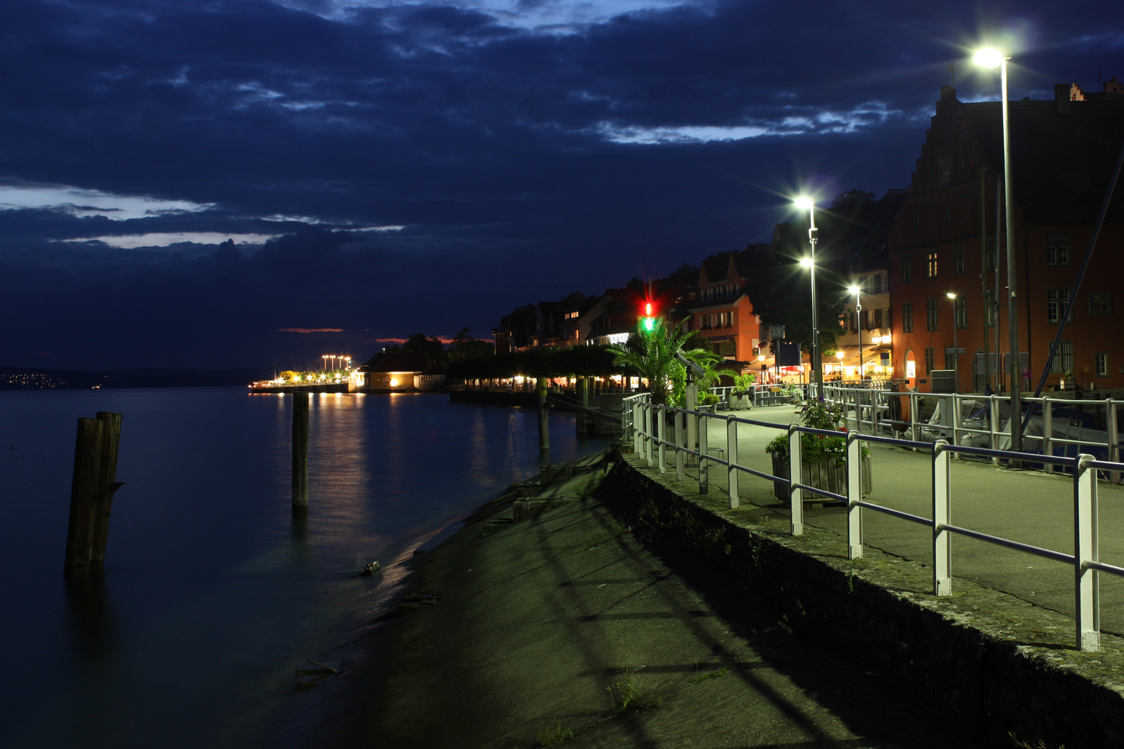Meersburg Hafen bei Nacht