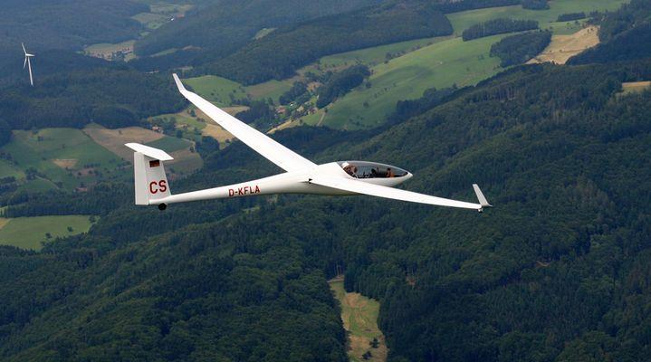 Meet DG800 in the sky
