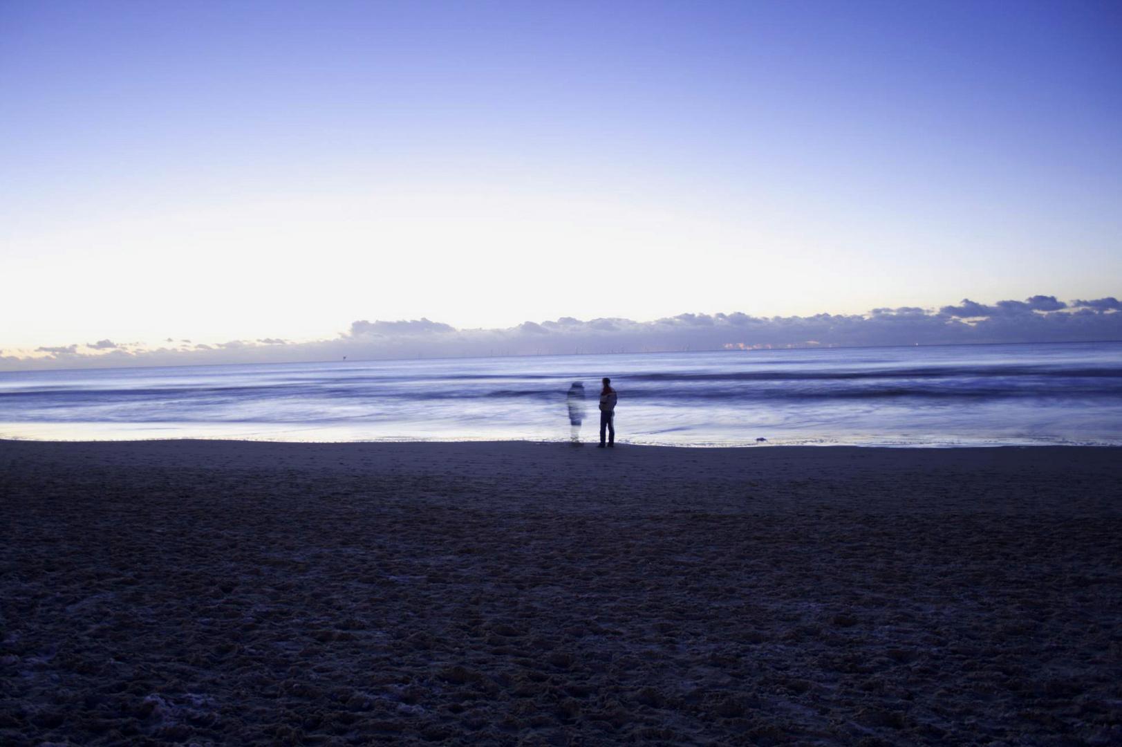 Meeting a Ghost on a frozen Beach