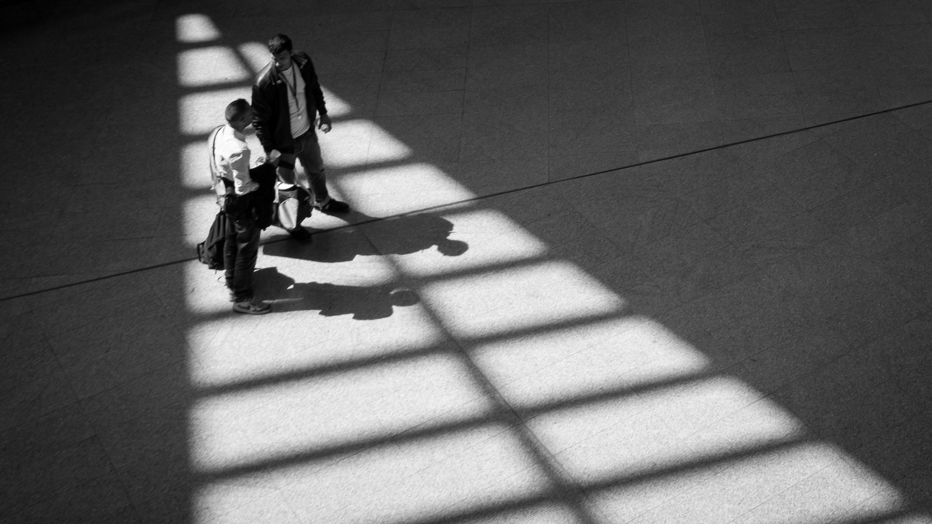 Meeting bei Licht und Schatten